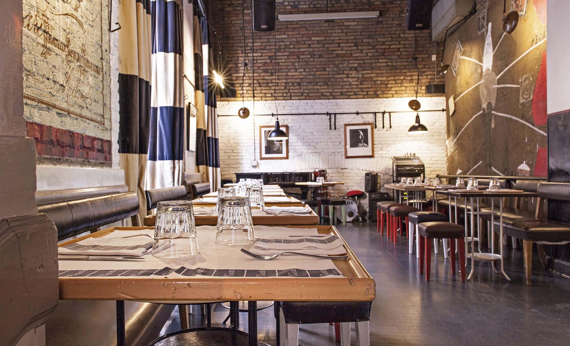 Wine bar in the historic center of rome 39 gusto for Fams arredamenti