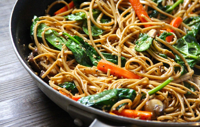 Ricetta Noodles Con Verdure E Carne.Il Gusto Del Wok Verdure Saltate Con Noodles Carne E Pesce Gusto